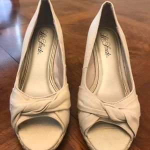 Life Stride size 8 wedges. Never worn.